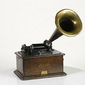 「phonograph invented by thomas edison」的圖片搜尋結果