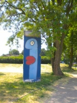 "<h5>Thanks Thierry</h5><p>© courtesy by <a href=""galerie-noir.de"" target=""_blank"">Thierry Noir</a></p>"