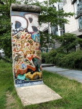 "<h5>The Berlin Wall in Brussels, Belgium</h5><p>Details, Copyright: <a href=""http://en.the-wall-net.org/?p=158"" >Brussels, B</a> / more <a href=""http://en.the-wall-net.org/category/the-berlin-wall/eur/"" >sites in Europe</a></p>"