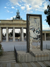 "<h5>The Berlin Wall in Torrejon de Ardoz, Spain</h5><p>Details, Copyright: <a href=""http://en.the-wall-net.org/?p=990"" >Torrejon de Ardoz, E</a> / more <a href=""http://en.the-wall-net.org/category/the-berlin-wall/eur/"" >sites in Europe</a></p>"