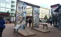 <h5>Friedrichstraße</h5><p>Friedrichstraße <strong>Checkpoint Charlie</strong> © The Wall Net <br>photo taken in 2016                                                                                                                                                                                                                                                                                                                                                                                                                                                                                                                                                                                                                                                                                                                                                                                                                                                                                                   </p>