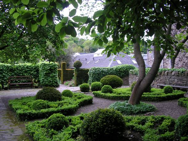 Dubar's Close Garden, photo credit: Nigel's Europe & beyond/Flikr