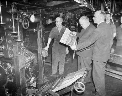 Weekly Scotsman 500th anniversary coming off machine - Mr Yeats and Mr Roy Thomson