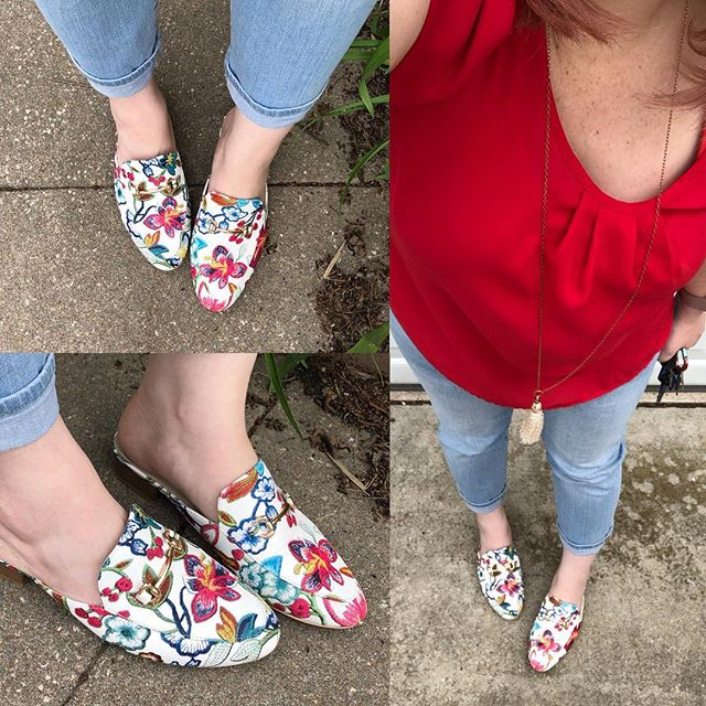 OOTD // Embroidered Mules FTW! I've been waiting for months to wear these and it was finally warm enough yesterday!! Mules are M&L brand via Zulily with KUT from the Kloth boyfriend jeans and a J.J. Perfection tulip sleeve top from Amazon