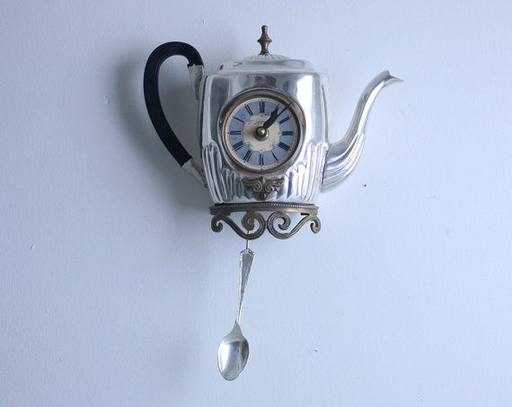 thé et horloge, horaires