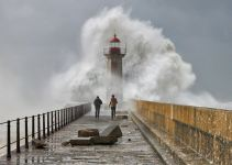 10 Inspiring Photos of Extreme Weather 35