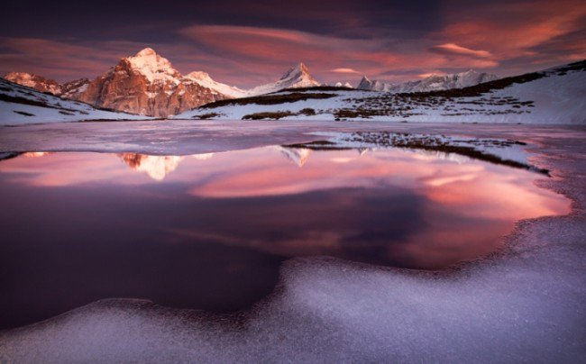 15 Breathtaking Photos of Lakes With Reflections 1