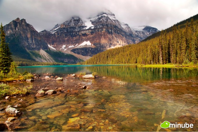 10 Most Beautiful Lakes Around The World 3