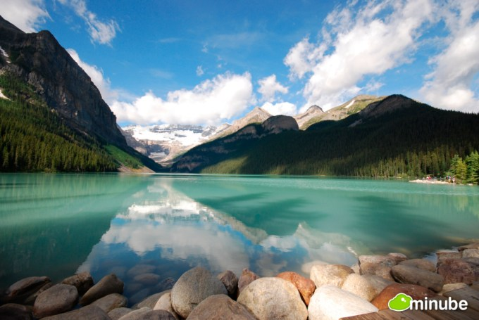 10 Most Beautiful Lakes Around The World 1