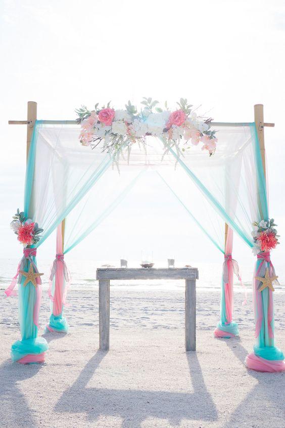arcos para bodas en la playa