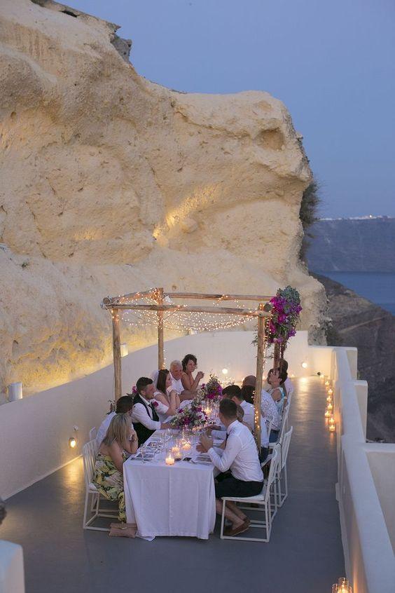 cena íntima para una boda pequeña