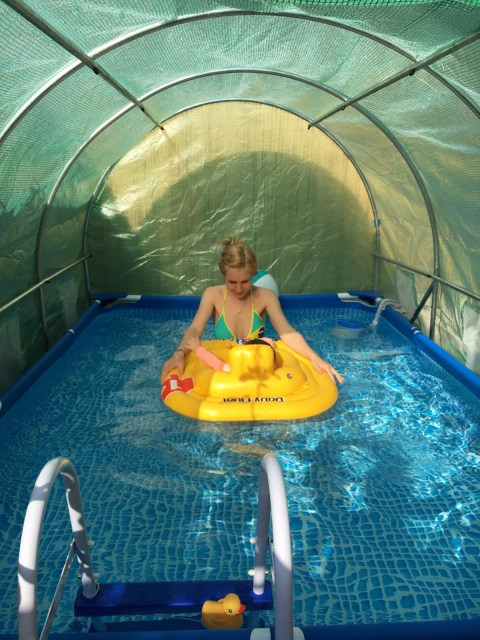 avis chauffer une piscine intex avec une serre tunnel