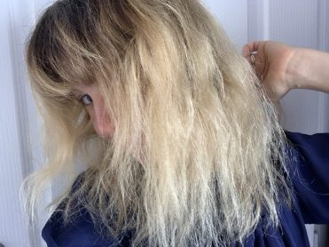 avis déjaunir cheveux avec ultra violet john frieda