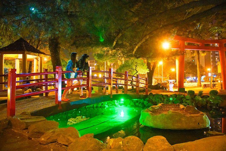 Parque Japones _ Noche - Plaza de Armas