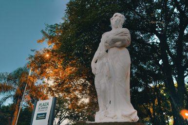 Plaza de Armas - Monumento a las Madres