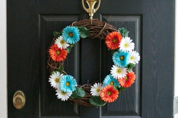 adorable spring summer wreath