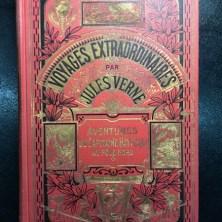343. VERNE. Voyages extraordinaires. Voyages et aventures du Capitaine Hatteras. Les Anglais au Pôle nord. Le Désert de glace.