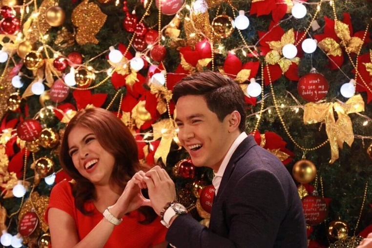 Alden and Maine On GMA Christmas Station ID