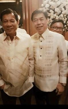Photo of Peter Lim and President Rodrigo Duterte As Principals Sponsors in a wedding