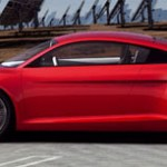 Audi e-tron, imagen frontal, con placas fotovoltaicas detrás.