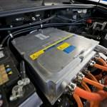 Imagen del interior del capo, con parte de su motor electrico