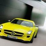 imagen del Mercedes SLS AMG e-Cell de color amarillo