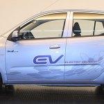 foto del lateral del primer coche eléctrico surcoreano, el Hyundai BlueOn