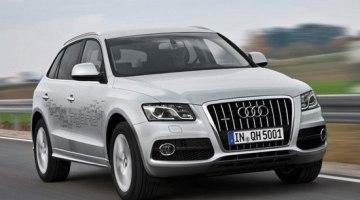 Audi Q5 Hybrid Quattro circulando por carretera