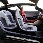 interiores del concepto Ford Evos, donde apreciamos los asientos diferenciados del conductor.