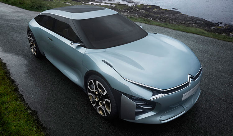 Imagen superior del Citroën CXperience, donde podemos apreciar su gran superficie acristalada.