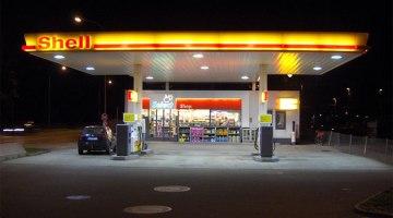 Shell se plantea instalar puntos de recarga en sus gasolineras en Reino Unido