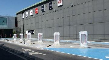 Ya está en marcha el supercargador Tesla en Murcia