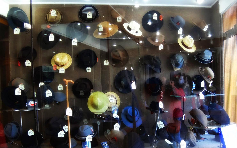 349aa54189efd ¿De dónde saco un buen sombrero  Un dato para vestir como caballero -  Enciclopedia Bío-Bío. El que sabe