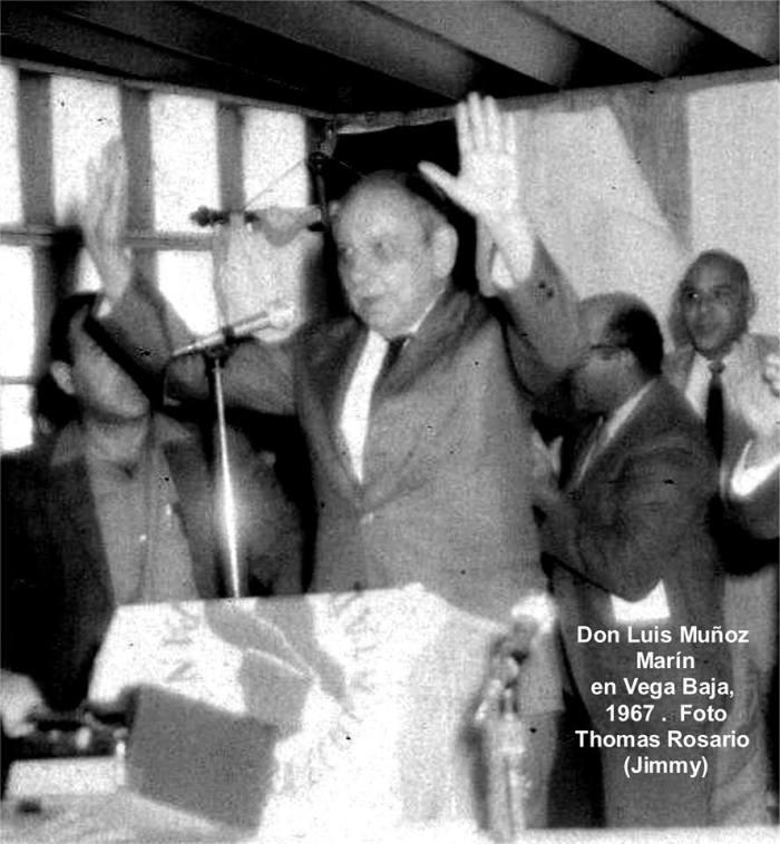 tjrf-luis-munoz-marin-con-las-manos-arriba-1967