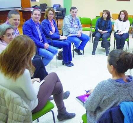 A delegada territorial da Xunta en Lugo, Raquel Arias, acompañada do alcalde de Bóveda, José Manuel Arias, abriron o coloquio. Arquivo EC.