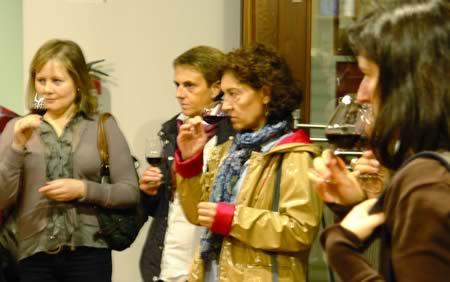 Presentacións de viños,  catas, exposicións, festas e xornadas formativas integran o programa do Centro do Viño ó longo de todo  o ano.  Arquivo EC
