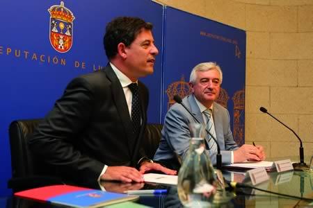 O presidente da Deputación de Lugo, José Ramón Gómez Besteiro, e o reitor da Universidade de Santiago de Compostela, Juan Manuel Viaño Rey, durante a presentación do Plan de Choque do Campus de Lugo na capital provincial. GPDL