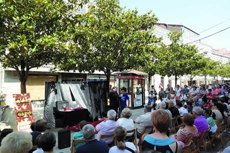 A dinamización da rúa e a oferta dun calendario lúdico ó longo de todo o mes é o obxectivo do programa das Festas Patronais de Monforte deste ano. EC.