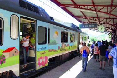 O Tren da ruta Valdeorras-Ribeira Sacra foi o máis demandado.  CTRS.
