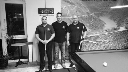 Algúns dos participantes no Campionato Galego- II Trofeo Ribeira Sacra de Billar a tres bandas, celebrado durante o mes de novembro no Casino de Chantada. (Foto cedida).