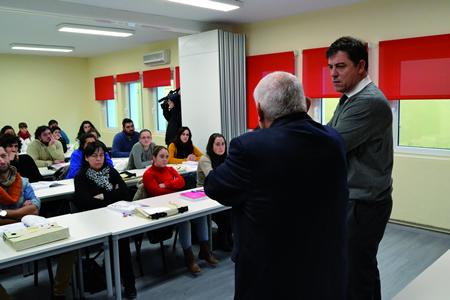 O presidente da Deputación, José Ramón Gómez Besteiro, durante a apertura dos cursos do Pacto Provincial polo Emprego II que se están a desenvolver na sede da Cruz Vermella de Lugo. GPDL.