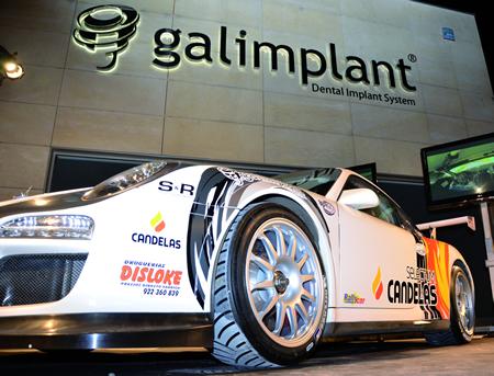 Un momento da presentación do novo aspecto do Porsche 911 GT3, nas instalacións de Galimplant en Sarria, o pasado 8 de marzo. (Foto cedida).