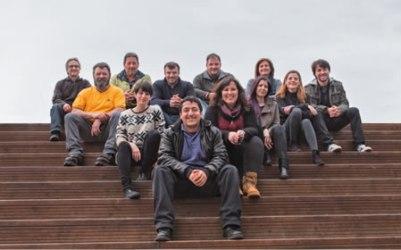 Antón Fente Parada e os membros da candidatura Por Chantada nas municipais do 24 de maio. (Foto cedida).