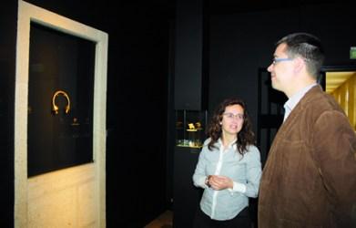 O delegado de Cultura da Deputación, Mario Outeiro, nunha imaxe de arquivo con motivo da chegada ao Museo de Lugo da colección de Álvaro Gil. GPVDL.