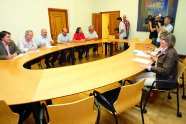 Reunión da conselleira de Medio Rural e do Mar, Rosa Quintana, cos responsables de Asaja Galicia, Unións Agrarias e Sindicato Labrego Galego. CMRM