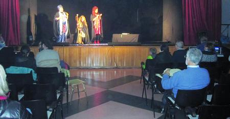 A sesión de teatro do programa Buxiganga foi organizada polo Círculo Saviñao, e desenvolveuse no Auditorio Municipal  (Foto cedida).