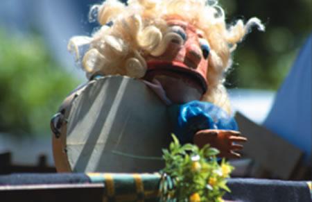 """A compañía Trécola porá en escea o día 28 en Bóveda o seu espectáculo de títeres  para todos os públicos """"Traxicomedia de Calixto e Celestino"""".  (Fotos cedidas: Trécola)."""