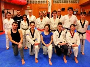 Foto de grupo dos deportistas que están a entrenar no club Neka para o Campionato Galego do vindeiro 5 de marzo. (Foto cedida).