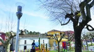 Aspecto das novas farolas instaladas en varios puntos do municipio de Sober. GPCS.