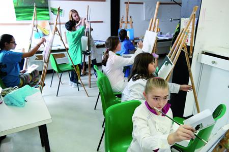 As actividades da Casa da Xuventude de Chantada estimulan a creatividade e ofrecen unha interesante opción de lecer participativo. Arquivo EC